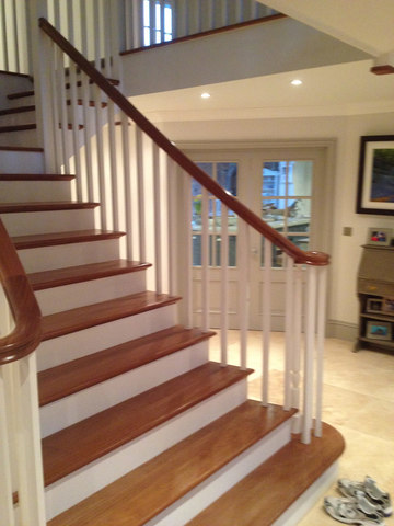 Camberley Painter and Decorator, Camberley Decorator, Painting & Decorating Service in Camberley, Surrey. Painter and Decorator in Bagshot, Ascot, Sunningdale, Lightwater, Frimley, Sandhurst, Wokingham, FarnboroughSunningdale Stairs Staining - Painting