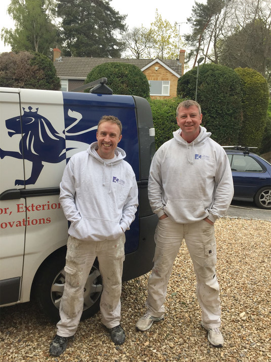 Camberley Painter and Decorator, Camberley Decorator, Painting & Decorating Service in Camberley, Surrey. Painter and Decorator in Bagshot, Ascot, Sunningdale, Lightwater, Frimley, Sandhurst, Wokingham, Farnborough Exterior Painter in Camberley, Surrey