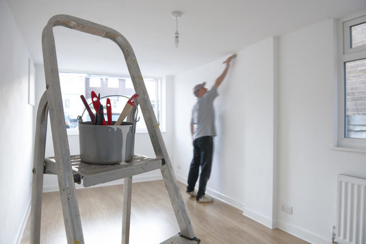 Camberley Painter and Decorator, Camberley Decorator, Painting & Decorating Service in Camberley, Surrey. Painter and Decorator in Bagshot, Ascot, Sunningdale, Lightwater, Frimley, Sandhurst, Wokingham, Farnborough